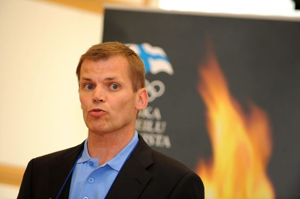 Olympiakomitean entinen valmennuksen johtaja Kari Niemi-Nikkola oli erikoisten päätösten erikoismies.