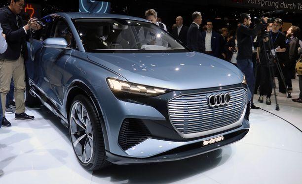 Audi Q4 e-tron oli yksi näyttelyn odotetuimmista uutuuksista.
