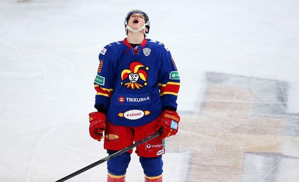 Steve Moses ja muut KHL-pelaajat joutuvat seuraamaan sarjan kohtaloa sivusta.