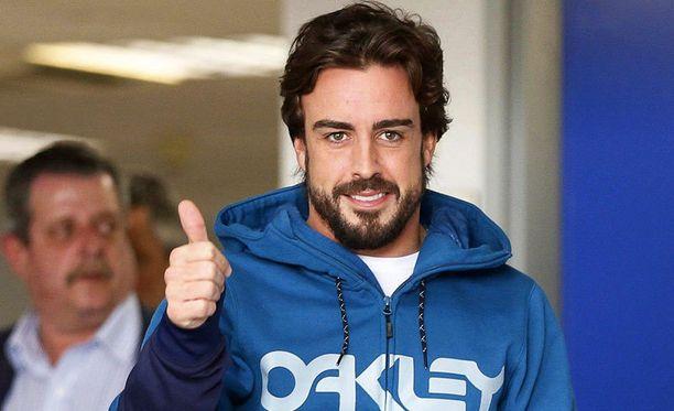 Fernando Alonson pitää vielä läpäistä lääkärien testit ennen paluutaan F1-auton rattiin.