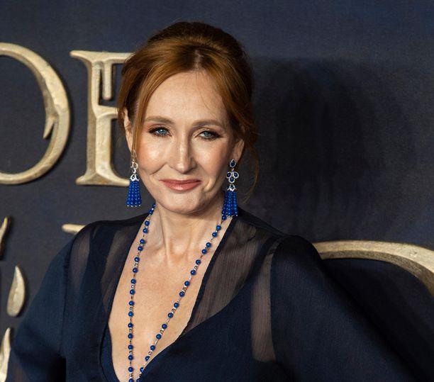 J. K. Rowling palauttaa saamansa ihmisoikeuspalkinnon.