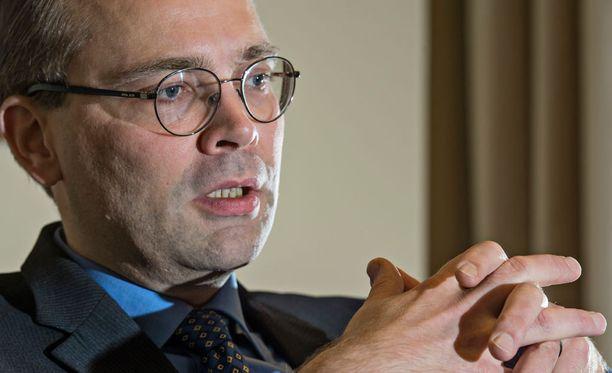 Jussi Niinistön mukaan miinalaivan nettohyöty olisi jäänyt myyntihintaa pienemmäksi.