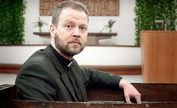 Helsingin piispan Teemu Laajasalon luottokortin käyttö on noussut keskusteluun sen jälkeen, kun selvisi, että Laajasalo on käyttänyt kirkkoherrana toimiessaan luottokorttia muun muassa samppanjan ja Flow-lippujen ostamiseen.