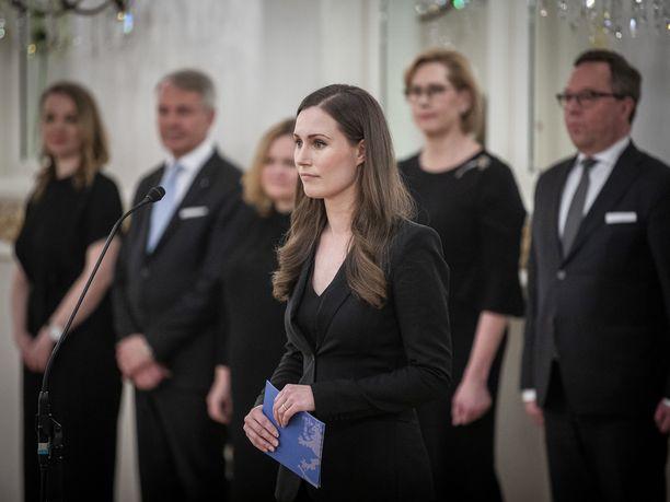 Joka toinen suomalainen uskoo Sanna Marinin onnistuvan pääministerinä.