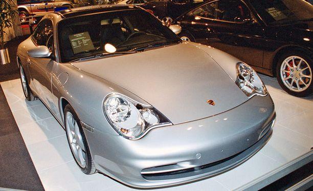 Porsche 911 maksaa Espanjassa 20 000 euroa vähemmän kuin Suomessa.