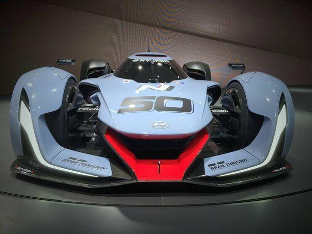 Superautoa pääsee ajamaan virtuaalisesti Gran Turismo -pelissä piakkoin.