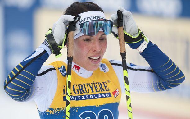 Ruotsin tähtihiihtäjä Charlotte Kalla elää raskaita aikoja.