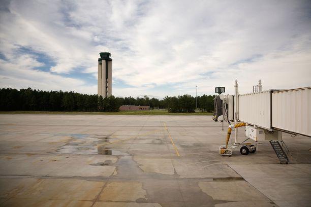 Tyhjä portti Savannah-Hilton Headin lentoasemalla.