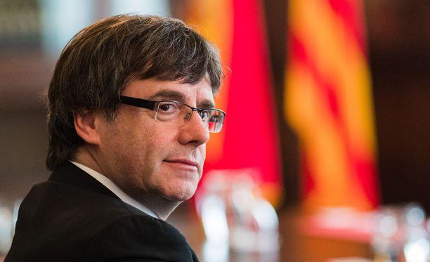 Carles Puigdemont johtaa Kataloniaa itsenäiseksi.