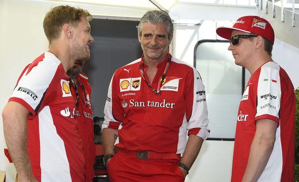 Motorionline kertoo, että tallipäällikkö Maurizio Arrivabene saa luottaa jatkossakin Sebastian Vetteliin ja Kimi Räikköseen.