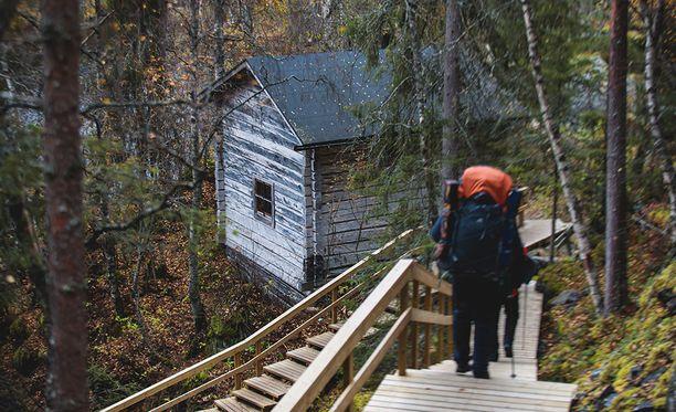 Syyslomasuunnitelmat ovat monella vielä mietinnässä. Kuva Oulangan kansallispuistosta, jossa on vieraillut tänä vuonna huomattavasti edellisvuotta enemmän ihmisiä.
