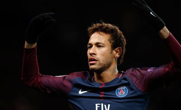Neymar iski PSG:n kaksi ensimmäistä maalia.