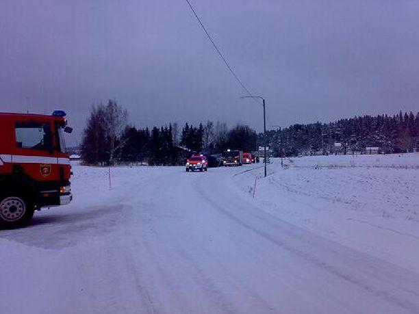 Bussi suistui ojaan Varsinais-Suomessa, Nousiaisten ja Maskun rajalla.
