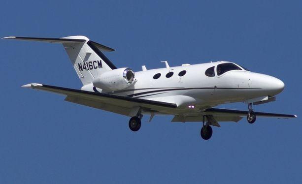 Cessna 510 on kevytrakenteinen pienkone. Kuvituskuva.