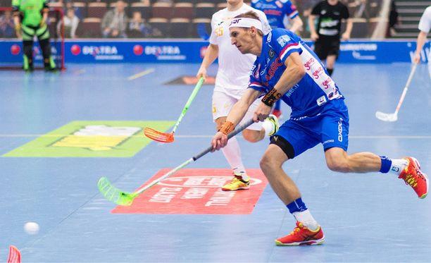 Jarkko Nieminen kamppaili koko syksyn piinaavan loukkaantumisen kanssa. Debyyttinsä hän teki 17. tammikuuta.