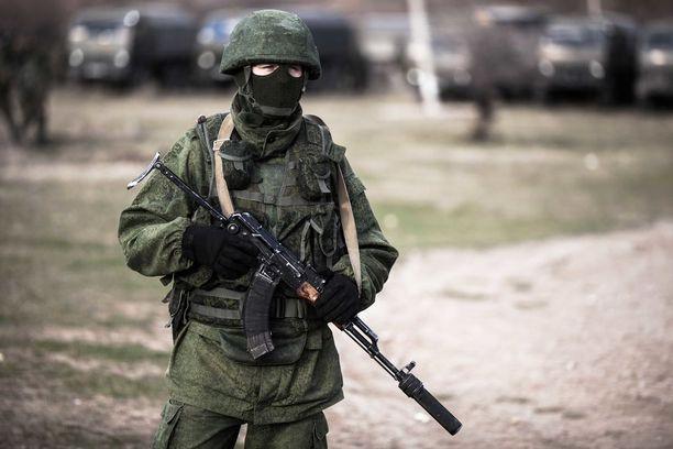 Helmikuussa 2014 Venäjä miehitti Krimin niemimaan. Paikalle ilmestyi etujoukkona tunnukettomia niin sanottuja vihreitä miehiä, joiden on arveltu olleen Wagner-ryhmän palkkasotilaita.