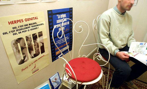 Viime vuonna tartuntatautirekisteriin ilmoitettiin yli 13 300 uutta klamydiatartuntaa.