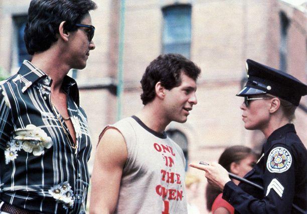 Andrew Rubin (vasemmalla) esiintyi vain Poliisiopisto-sarjan ensimmäisessä elokuvassa.
