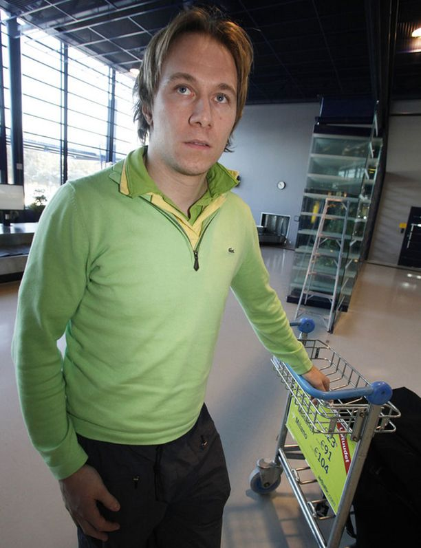 Jussi Jokinen päätyi Vancvouverin sijaan Oulun lentokentälle.