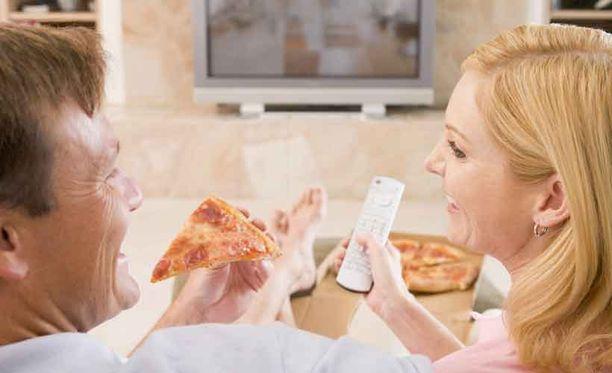 Ilman televisiota ruokailevat perheet syövät yleensä hitaammin ja vähemmän.