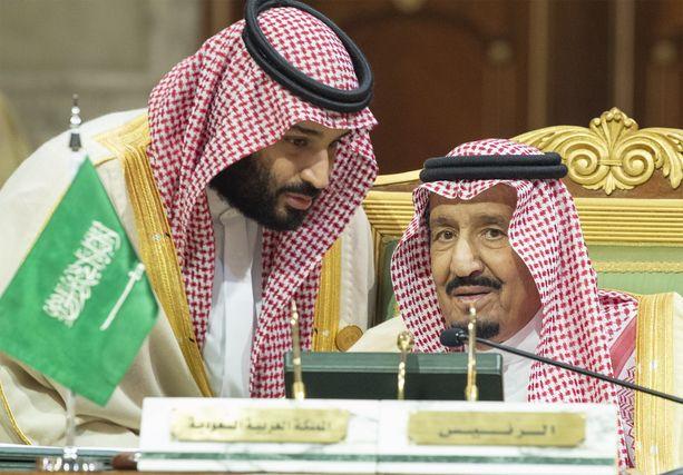 Saudi-Arabia on ollut lokakuusta lähtien kriisissä. Kuvassa Saudi-Arabian kuningas Salman (oik.) ja maan tosiasiallisena johtajana pidetty kruununprinssi Mohammed bin Salman Riadissa 9. 12.2018.