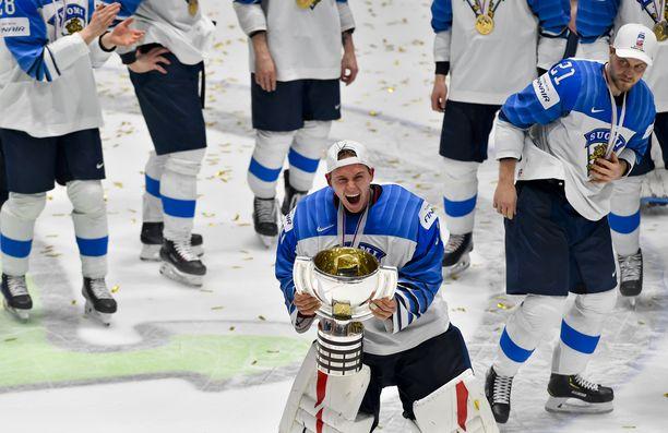 Kevin Lankinen torjui Leijonat MM-kultaan.