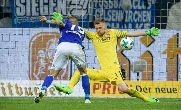 Lukas Hradeckyn X pelasti Frankfurtille paikan cupin finaalissa.