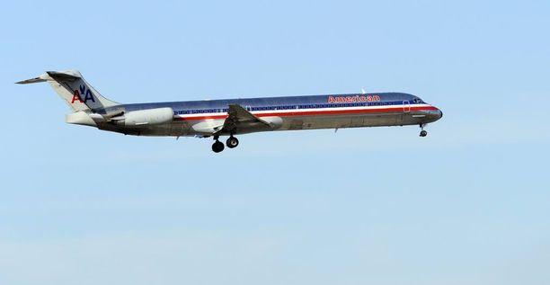 13-vuotias tyttö koki kauhunhetkiä American Airlinesin lentokoneessa. Kuvituskuva.