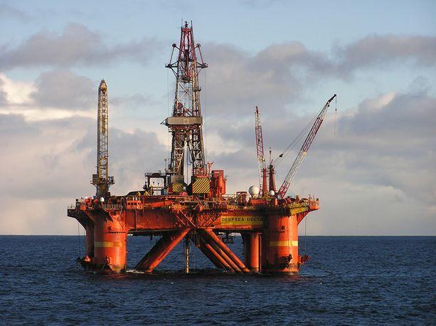 Suomi saa energiastaan 50 prosenttia Venäjältä. Lähes kaikki fossiiliset polttoaineet tuodaan Venäjältä.