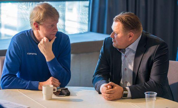 Jukka Rautakorvn ja Rauli Uraman valmentama Suomen nuorten maajoukkue epäonnistui Kanadassa järjestetyissä MM-kisoissa.