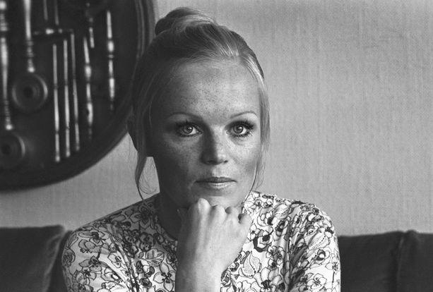 Katri Helena kuvattuna uransa alkupuoliskolla 26. elokuuta 1970. Tuolloin nuori laulaja oli 25-vuotias.