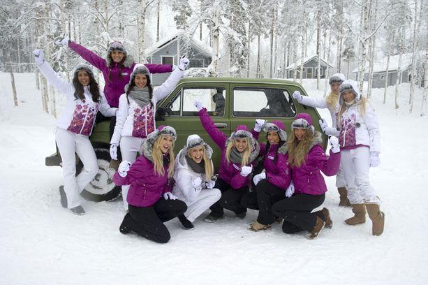 Missifinalistit pääsivät lumiselle Lada-safarille keskiviikkkona!