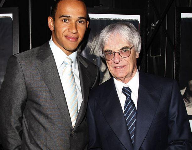 MAANMIEHET Bernie Ecclestone on mieltynyt Lewis Hamiltoniin.