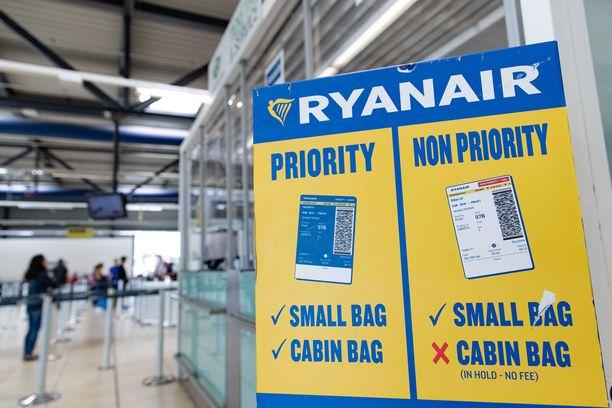 Kaikki muu kuin lentolippu maksaa Ryanairilla erikseen.