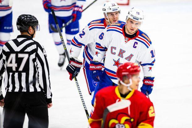 SKA:n kapteenina toiminut Sergei Plotnikov vaihta Amurin riveihin.