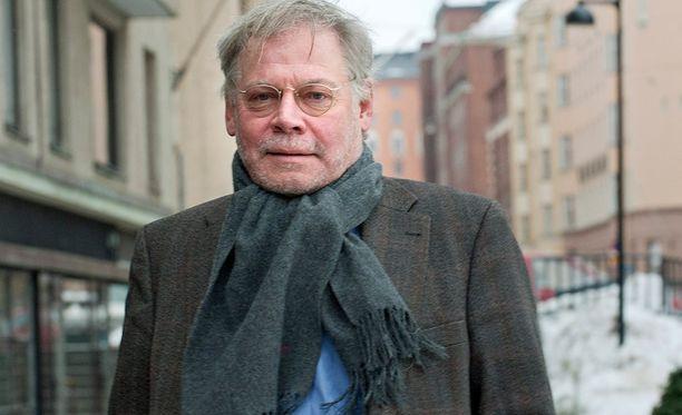 Lauri Törhönen kertoi tv-ohjelmassa naisseikkailuistaan.