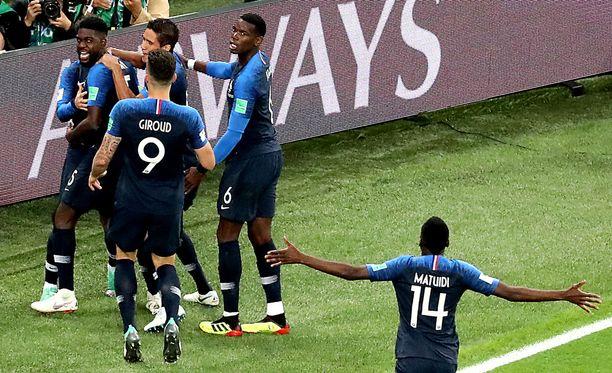Samuel Umtiti puski Ranskan 1-0-voittoon 51. minuutin maalillaan.