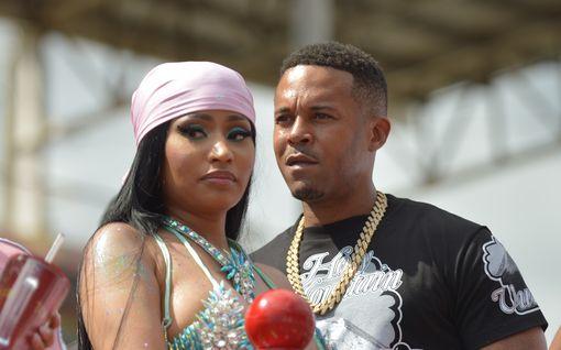 Nicki Minaj vihjaili koronarokotteen aiheuttavan impotenssia ja kivesten turpoamista: Twitterissä repesi riita