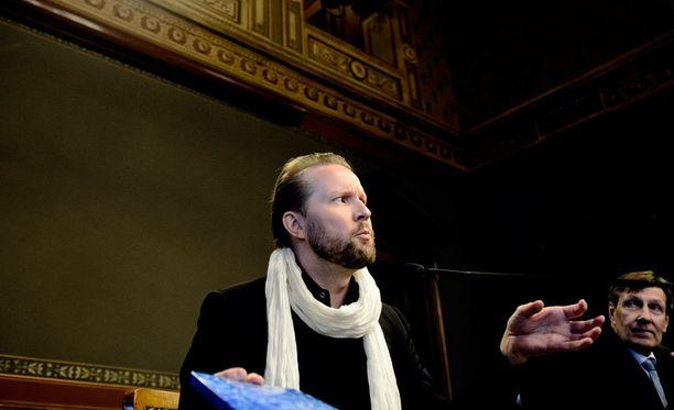 Filosofi Pekka Himanen esiintyy Slushissa.