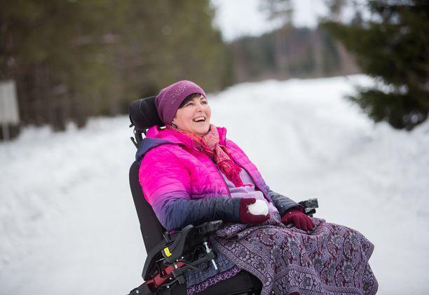 Iltalehti kertoi 47-vuotiaan Jane Paberitin tarinan viikonloppuna. Hän oli lähdössä kuolemaan Sveitsiin.