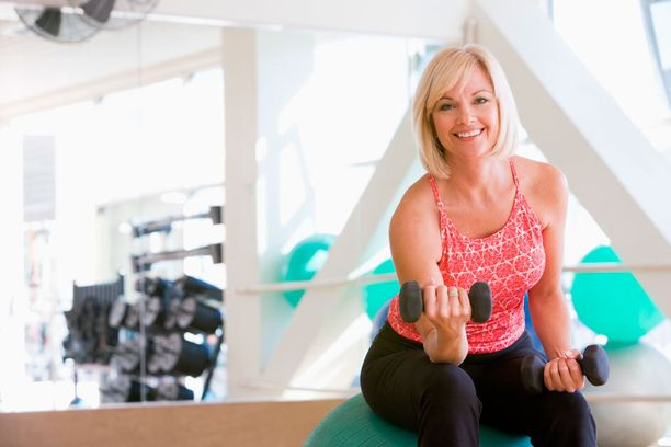 Voimaharjoittelu on tärkeää, koska se auttaa lihasmassaa säilymään laihdutuksen aikana.