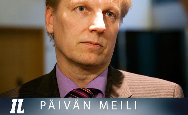 Ympäristöministeri Kimmo Tiilikainen.