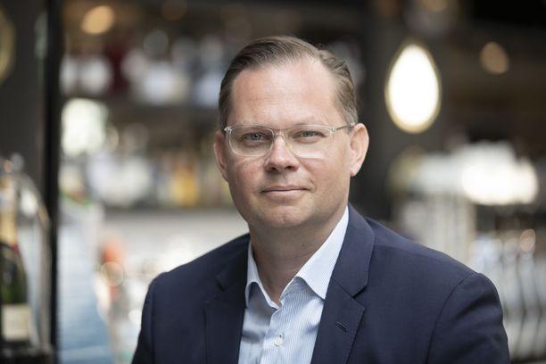 Aku Wikströmin mukaan erityisen ongelmallinen on hallituksen esitys rajoitustoimenpiteiden valtakunnallisuudesta.