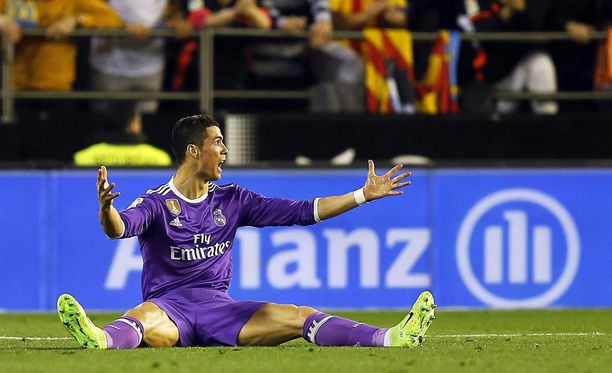 Cristiano Ronaldo on hävinnyt tasan joka seitsemännen ottelunsa seuratasolla.