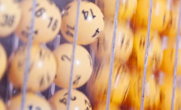 Loton suurimmissa voittoluokissa ei löytynyt voittajia lauantaina.