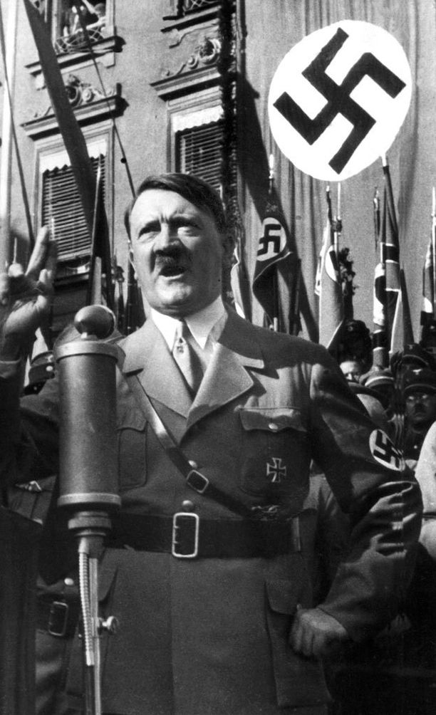 Natsijohtaja Adolf Hitlerin itsemurhaa epäillään edelleen.