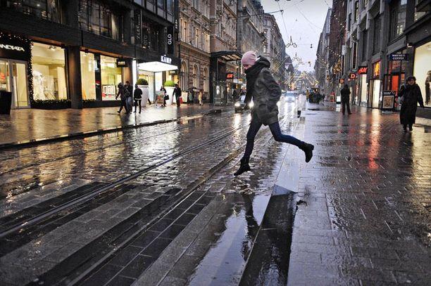 Tätä on luvassa jatkossa, mikäli ennusteet pitävät paikkansa. Talvi vaihtuu perinteiseksi marraskuun sääksi.
