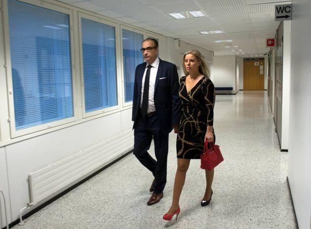 Heikki Lampela tuomittiin ehdolliseen vankeuteen naisystävänsä Hanna Kärpäsen pahoinpitelystä ja laittomasta uhkaamisesta.