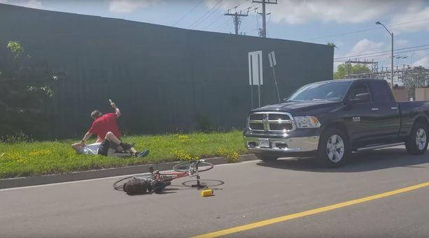 Autoilija hakkasi pienellä nuijalla 71-vuotiaan pyöräilijän verille.