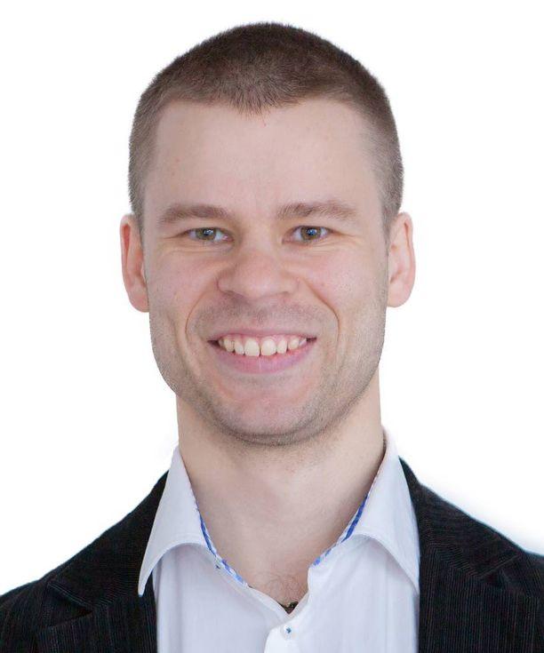 Panu Kouri valmistui Tampereen teknillisestä yliopistosta automaatiotekniikan diplomi-insinööriksi.